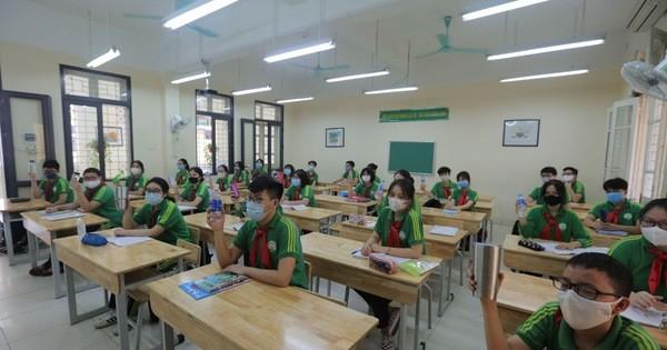 Phụ huynh lo lắng lớp học không bật điều hòa sẽ ảnh hưởng tới việc học tập của các con
