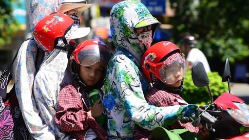 Các biện pháp phòng bệnh mùa hè cho trẻ tại gia đình và nhà trường