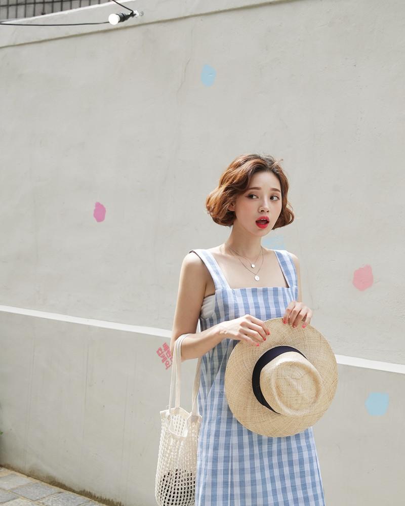 5 kiểu váy hai dây mát rượi, diện lại sang chảnh hết mức trong ngày hè nắng nóng-11