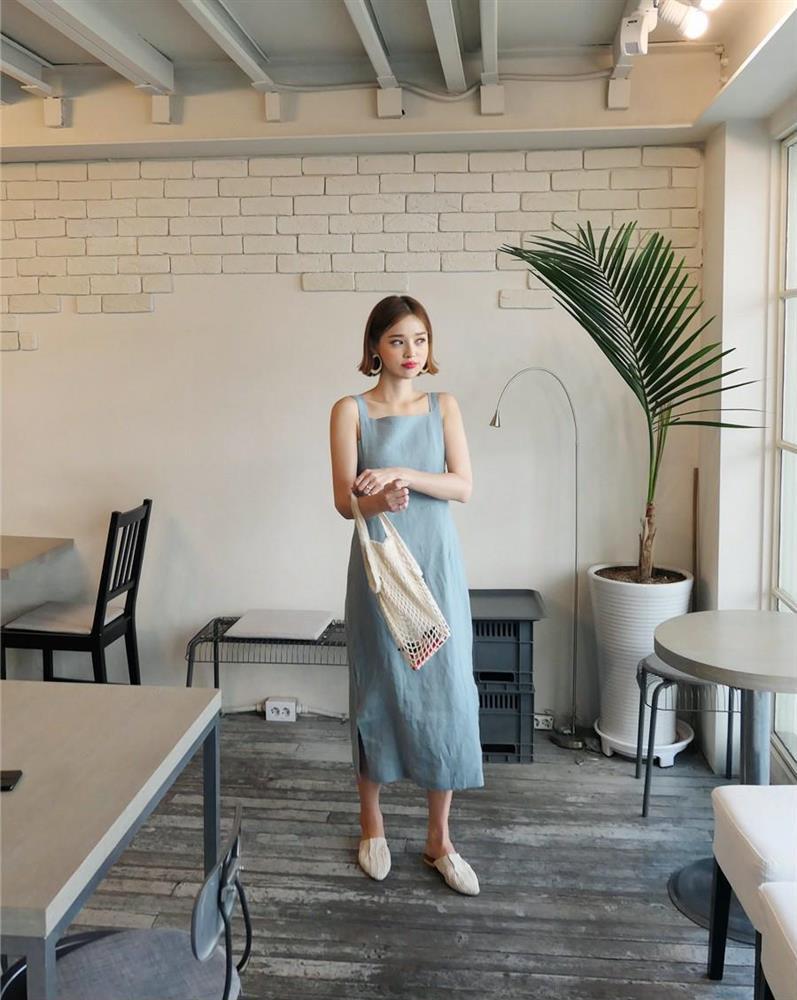 5 kiểu váy hai dây mát rượi, diện lại sang chảnh hết mức trong ngày hè nắng nóng-14