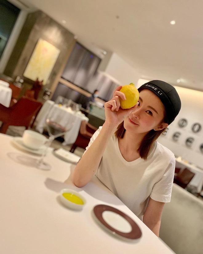 Từ 52kg xuống 45,9kg trong 3 tháng: cô gái Hồng Kông chia sẻ bí quyết ăn uống, tập tành nhanh gọn để tạo ra cơ bụng hoàn hảo-9