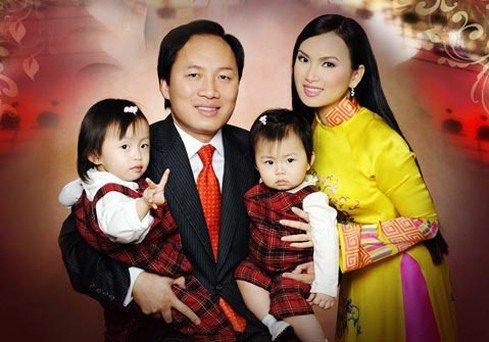 """Tỷ phú Việt từng khiến Donald Trump """"nóng mặt"""", bỏ Hoa hậu để lấy em gái Cẩm Ly"""