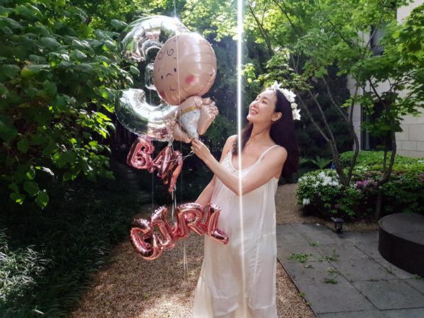 Choi Ji Woo ở tuổi 44 và mang thai vẫn thon thả, nước da trắng hồng, thì ra bí quyết là đây-2