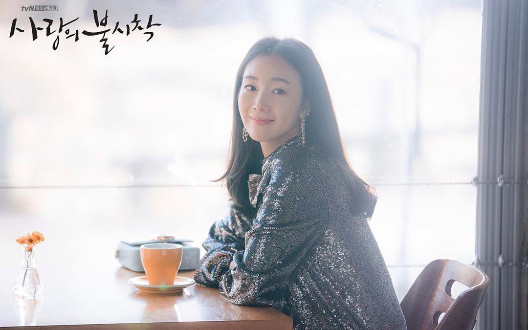 Choi Ji Woo ở tuổi 44 và mang thai vẫn thon thả, nước da trắng hồng, thì ra bí quyết là đây
