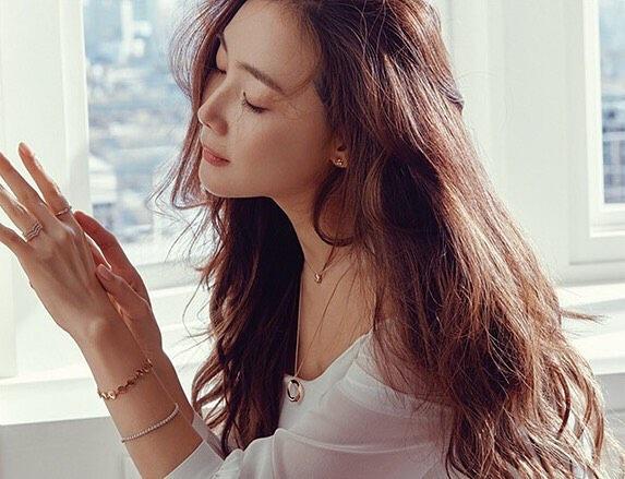 Choi Ji Woo ở tuổi 44 và mang thai vẫn thon thả, nước da trắng hồng, thì ra bí quyết là đây-6