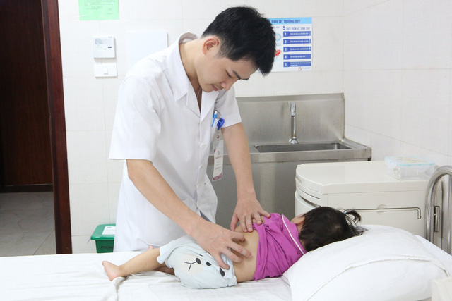 Hiếm gặp: Bé gái 16 tháng tuổi ở Phú Thọ có 3 quả thận-1