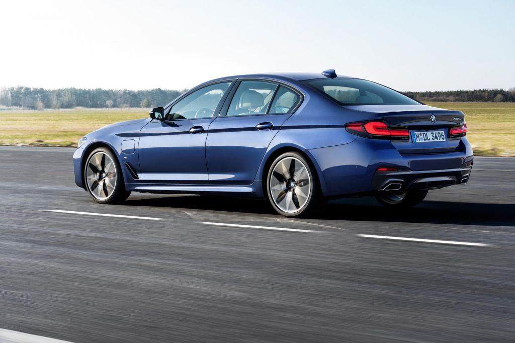 BMW 5-Series 2021 ra mắt: thêm tuỳ chọn động cơ, bổ sung trang bị                                            -3
