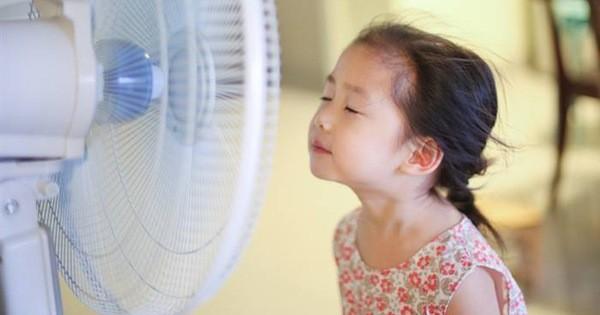 Cô bé 10 tuổi bị liệt mặt do sai lầm khi sử dụng quạt mùa hè của bố mẹ: Bác sĩ chỉ ra 4 sai lầm cần phải bỏ ngay!