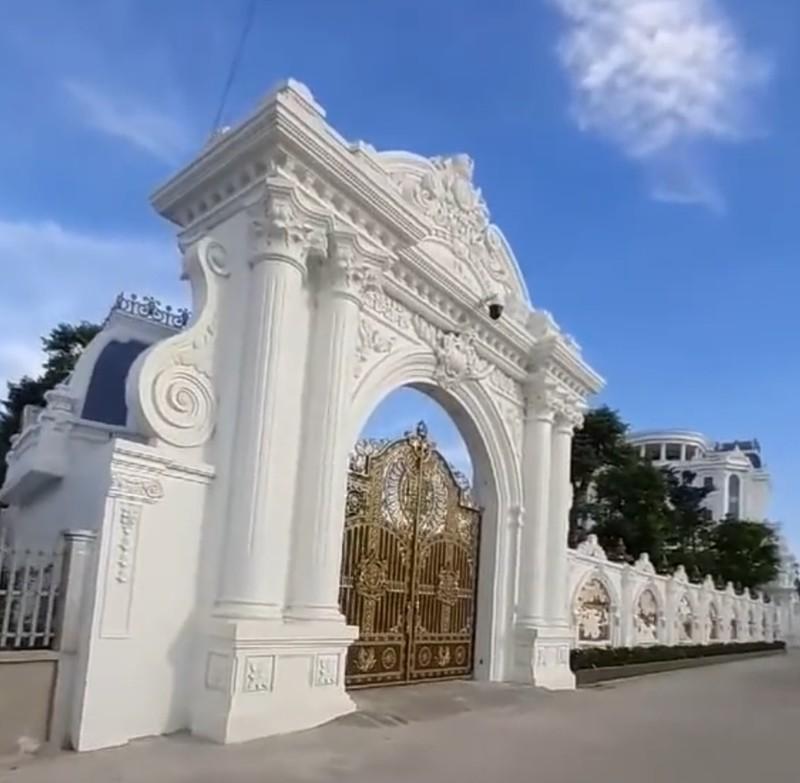 Chủ nhân tòa lâu đài có hẳn sân đỗ trực thăng ở Thái Bình là ai?-4