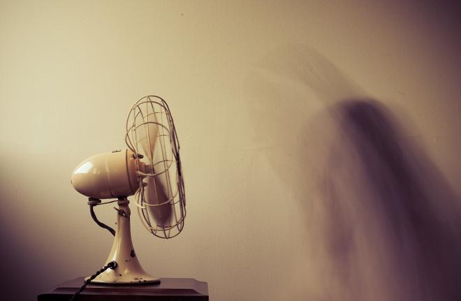 Bật quạt cả đêm, sáng dậy mặt bị cứng đờ, tê liệt: 5 điều cần lưu ý khi sử dụng quạt mùa hè-3
