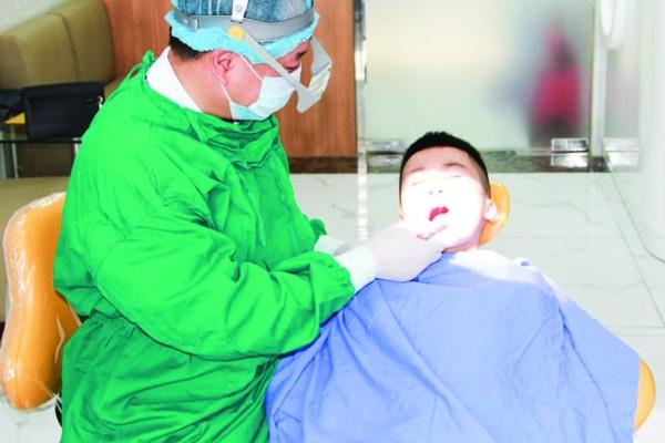 Để không có trẻ nào bị bỏ lại phía sau trong chăm sóc sức khỏe răng miệng
