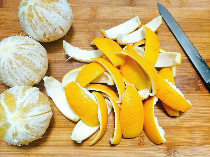 Ăn cam đừng vội vứt vỏ đi, sấy khô cho vào ruột gối bạn sẽ nhận được 4 tác dụng kì diệu-3