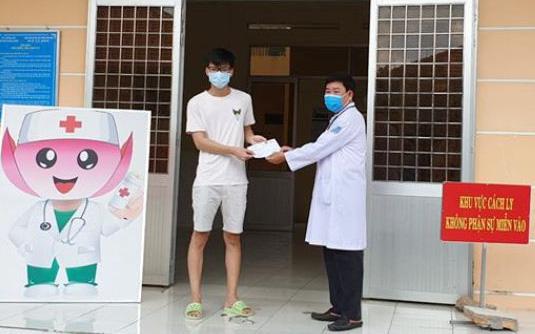 Nữ bệnh nhân về từ Dubai bị tổn thương phổi nặng, bệnh nhi 3 tháng tuổi và 13 ca nhiễm Covid-19 khác được công bố khỏi bệnh