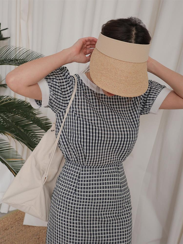 """Không chỉ giải nhiệt"""" tốt, những kiểu mũ rộng vành sau còn giúp bạn lên đồ đẹp miễn chê-22"""