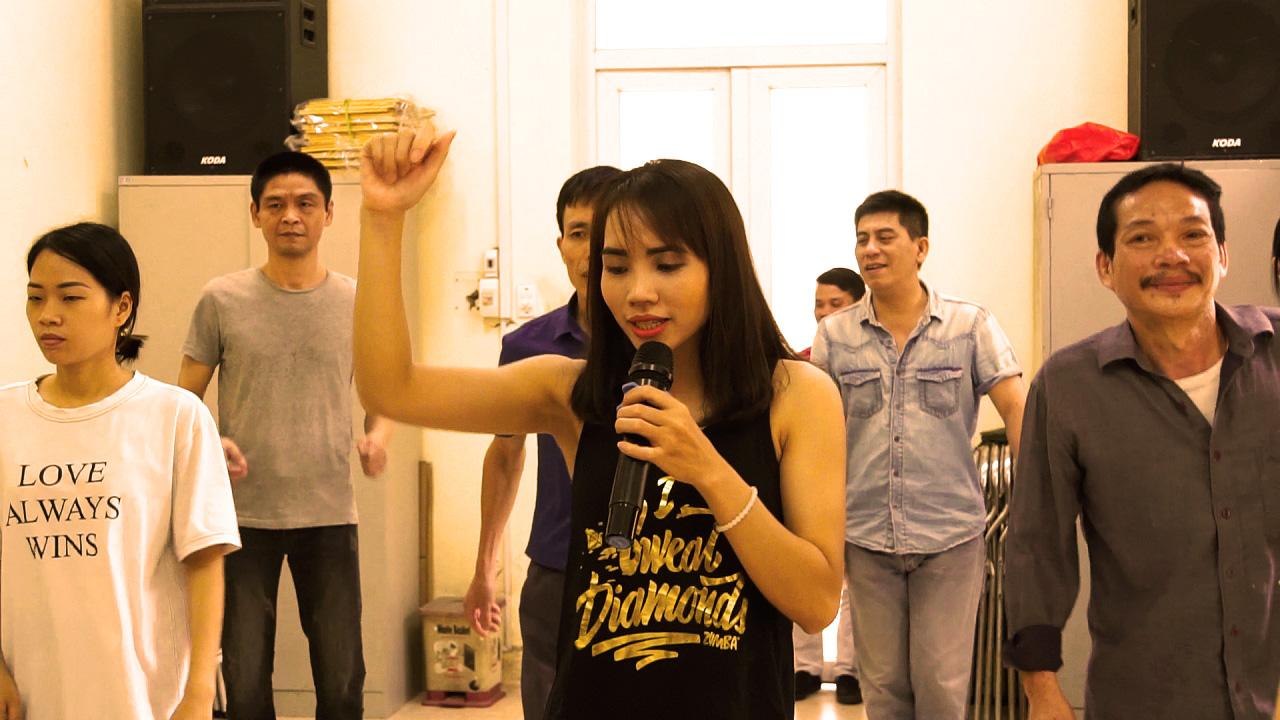 Cô gái thắp 'ánh sáng' ở lớp học nhảy đặc biệt