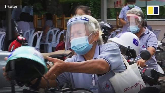 Chuyện về những người hùng tóc trắng của Thái Lan trong đại dịch Covid-19
