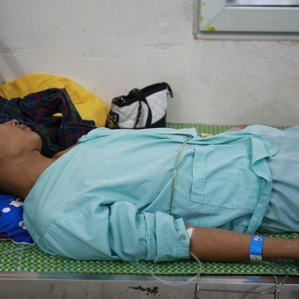 Clip nạn nhân thoát chết kể lại phút sinh tử khi sập nhà xưởng do giông lốc tại Vĩnh Phúc