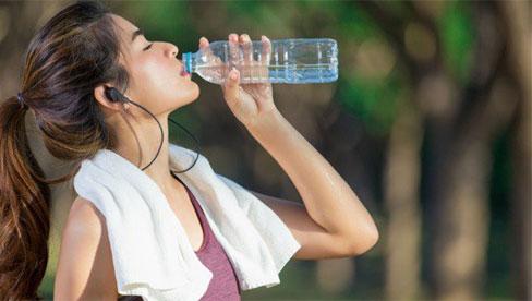 Nắng nóng kỷ lục , cách uống nước sao cho tốt và hợp lý nhất