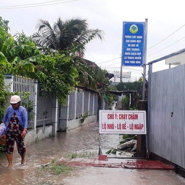 Cà Mau: Một người dân bị xã mời làm việc do tự ý gắn biển cảnh báo giao thông