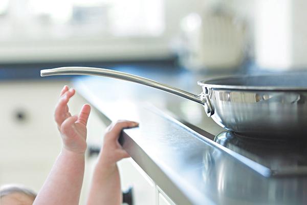 Phòng tránh tai nạn thương tích cho trẻ tại nhà