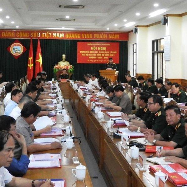 Bộ trưởng bộ Quốc phòng thông qua công tác chuẩn bị đại hội Quân khu 5
