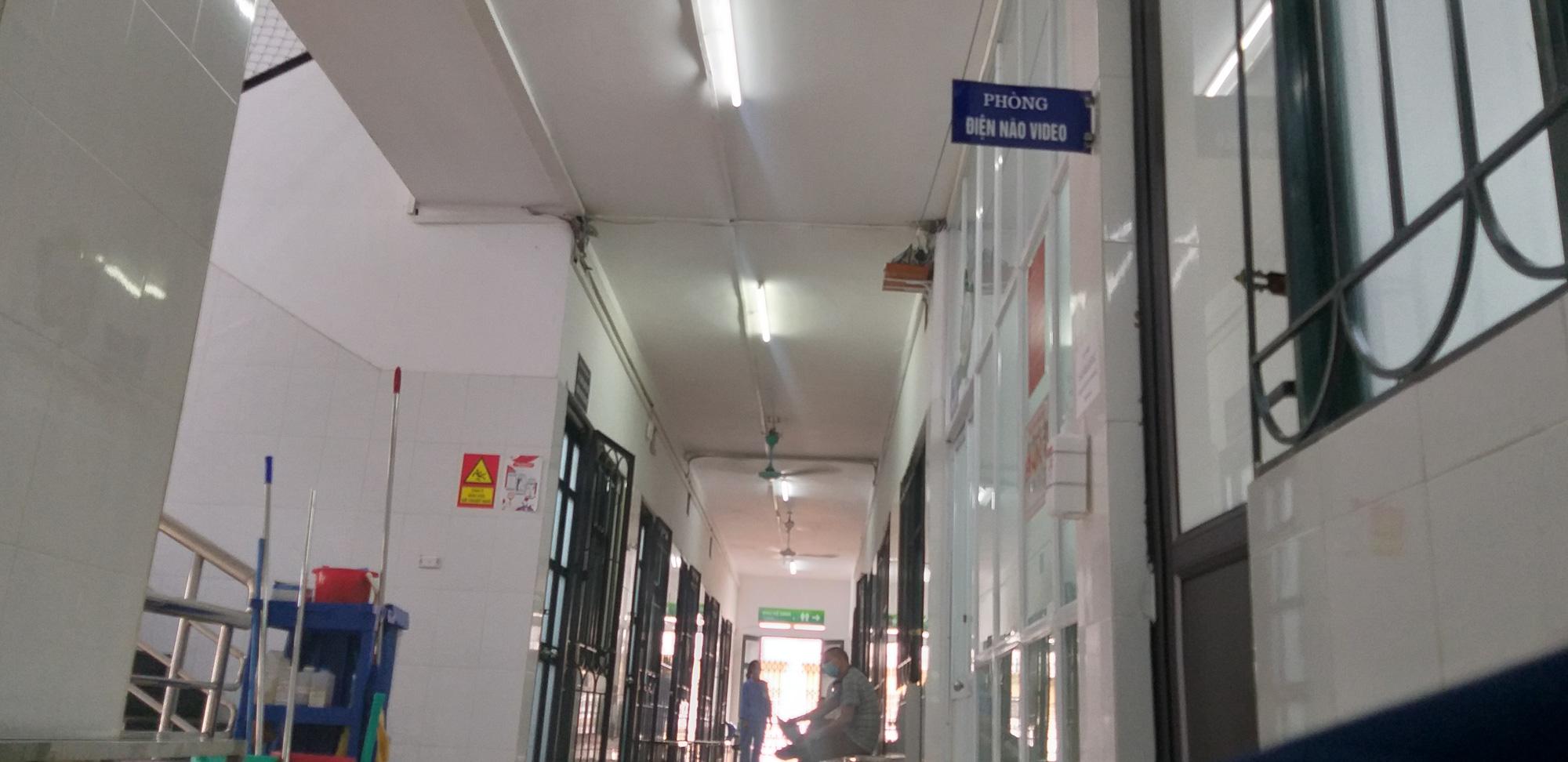 Bệnh viện Bạch Mai: Nghi vấn cắt xén thời gian điện não video cho bệnh nhân tâm thần từ 12 tiếng xuống còn 40 phút-2