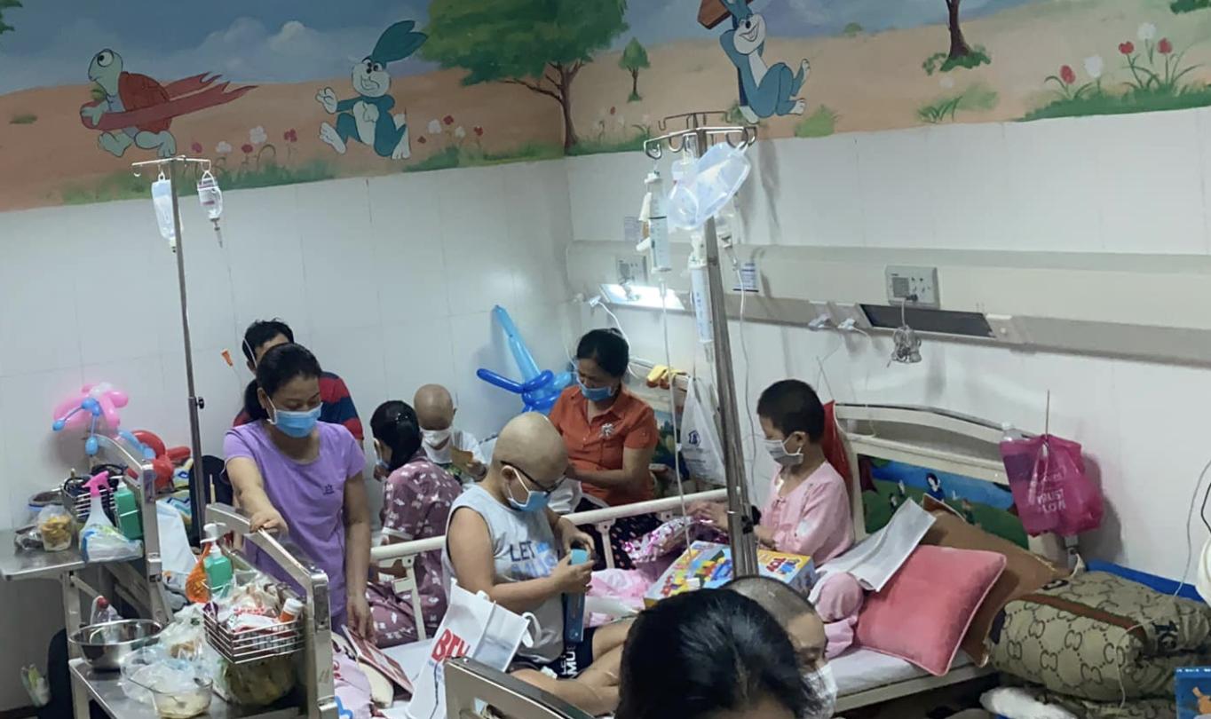 Vụ bệnh viện ở TP.HCM bị tố truyền hóa chất hết hạn cho bé 4 tuổi suy tủy: Bệnh viện lên tiếng-1