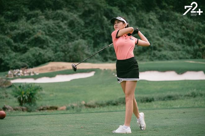 Không hẹn mà gặp hội mỹ nhân Việt đều check-in ở sân golf: 1 buổi chơi golf có lợi ích bằng 1 tuần tập thể dục nên bảo sao không mê cho được-9