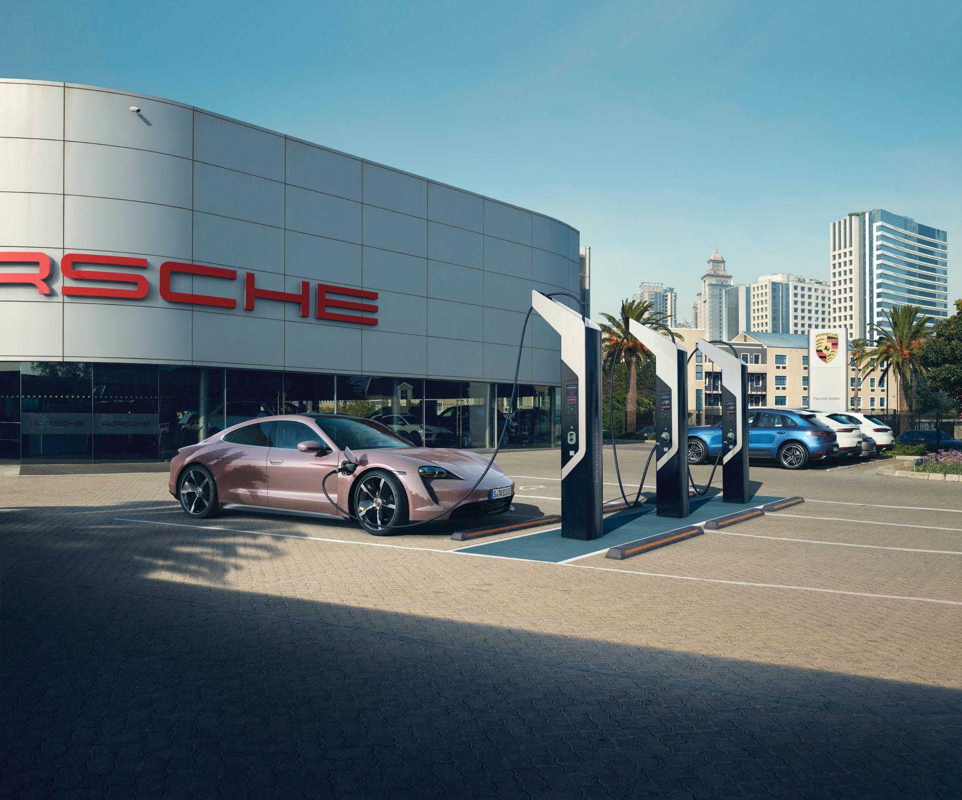 Phiên bản thấp nhất của Porsche Taycan ra mắt tại thị trường xe hơi lớn nhất thế giới                                            -3