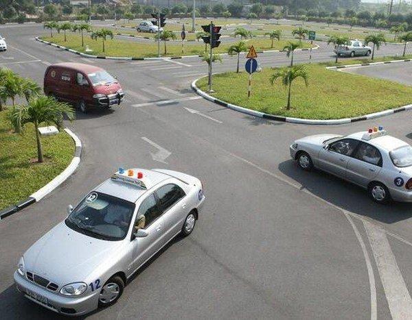Bộ Giao thông lên tiếng về thông tin bằng lái B1 không được điều khiển ô tô