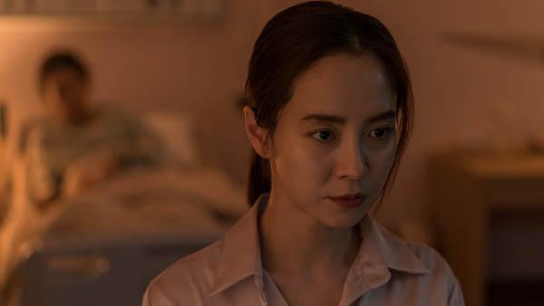 Phim 'Kẻ xâm nhập': Song Ji-Hyo hợp vai, kịch bản khiên cưỡng, ít đột phá