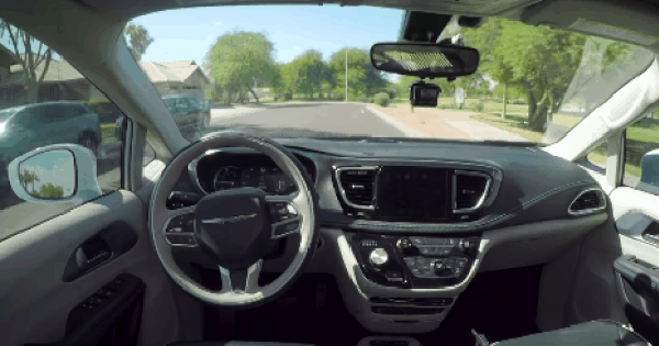 """Từ dễ thương tới hiện đại, 3 mẫu xe ô tô tự lái """"mới toanh"""" có thể xuất hiện trong cuộc đời bạn không xa"""