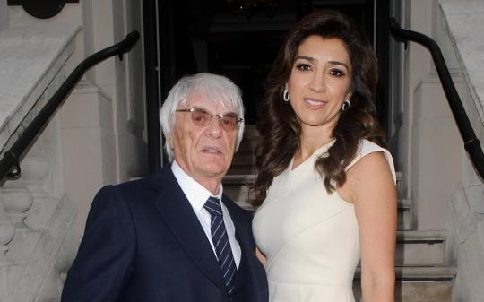 Ông trùm giải đua xe Công thức 1 đón con trai đầu tiên ở tuổi 89