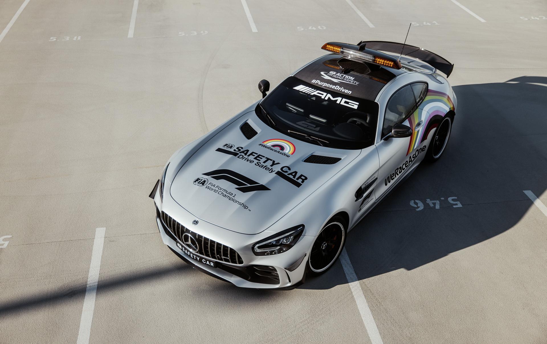 Xe an toàn của mùa giải F1 2020 được hé lộ, nổi bật với bộ tem xe ý nghĩa