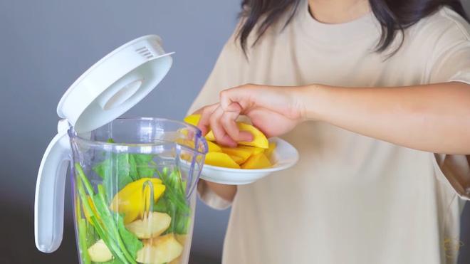 Châu Bùi thị phạm 3 món sinh tố rau xanh thay bữa chính mà vẫn đủ dưỡng chất, Binz hẹn hò với Châu thì kiểu gì cũng lây lối sống healthy này-6