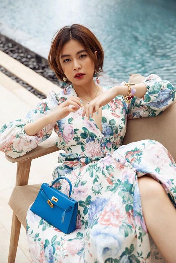 Muốn diện váy hoa trẻ trung, duyên dáng trong nắng hè, chị em hãy học hỏi từ các sao Việt-1