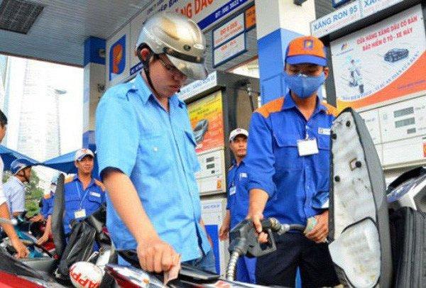 Ngày mai (13/7) giá xăng dầu sẽ giảm mạnh?