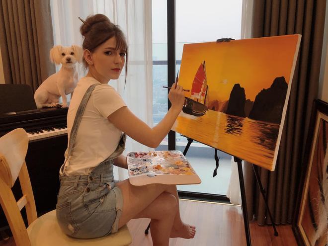 Chân dung nữ DJ Ukraine bốc lửa và đang nổi danh trong showbiz Việt-9