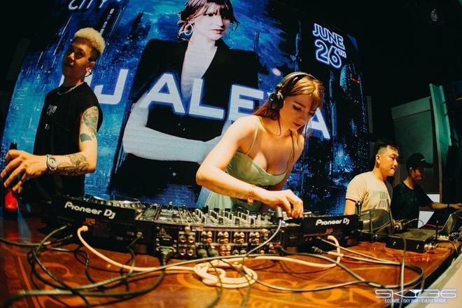 Chân dung nữ DJ Ukraine bốc lửa và đang nổi danh trong showbiz Việt-7