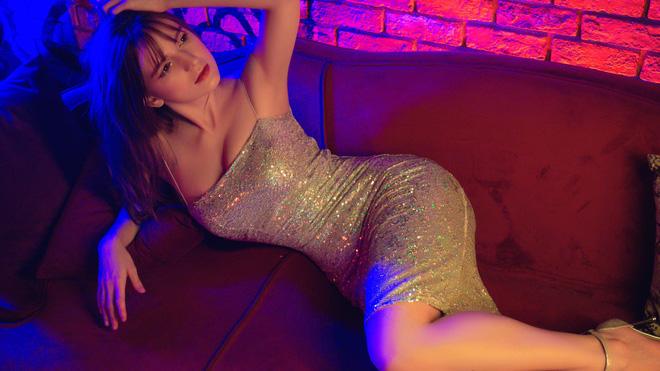 Chân dung nữ DJ Ukraine bốc lửa và đang nổi danh trong showbiz Việt-5