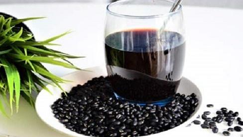 Nước đậu đen giải nhiệt cực tốt nhưng chớ dại dùng theo cách này dễ gây nguy hiểm