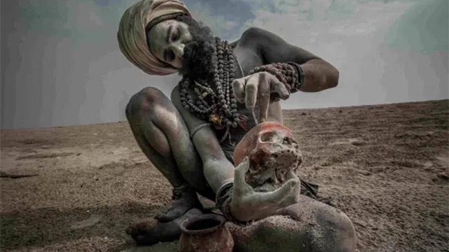 Bí ẩn môn phái thờ thần chết, ăn thịt xác người ở Ấn Độ