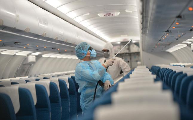 Việt Nam có thêm các ca nhiễm Covid-19 mới: Người dân đang cần đi máy bay, tàu hoả, taxi... cần lưu ý những gì?