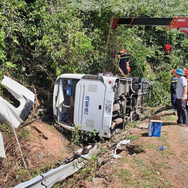 Nhìn lại hiện trường vụ tai nạn thảm khốc khiến 13 người tử vong tại Quảng Bình