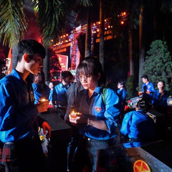Hà Nội: Thắp nến tri ân các anh hùng liệt sỹ
