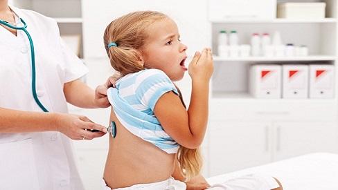 Mùa hè, cảnh báo bệnh viêm phổi ở trẻ nhỏ, cha mẹ không được coi thường