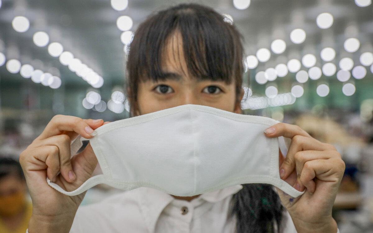 Không nhất thiết phải tích trữ nhiều khẩu trang y tế, bạn vẫn có thể giặt sạch khẩu trang vải để tái sử dụng hiệu quả