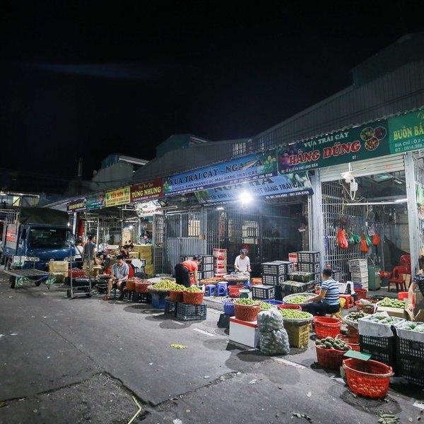 Đêm không ngủ tại chợ đầu mối lớn nhất miền Bắc