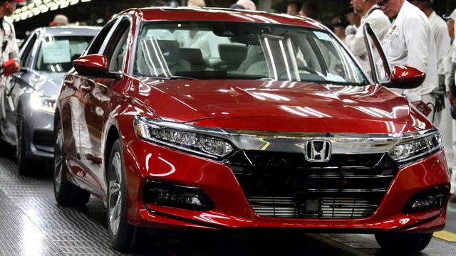 Honda dùng cả nhân viên văn phòng để sản xuất xe-1