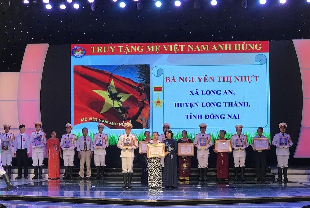 Phó Chủ tịch nước Đặng Thị Ngọc Thịnh thăm và làm việc tại Đồng Nai-1